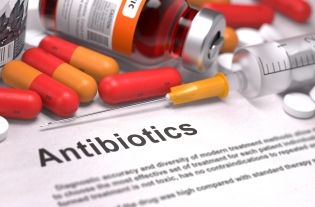 Using Antibiotics to Treat Gum Disease